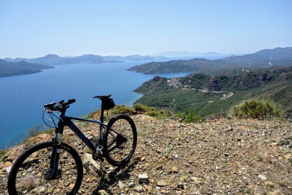 mountainbike-panorama-over-zee900452A5-1AA5-FC83-7762-7C06F71B9CC6.jpg