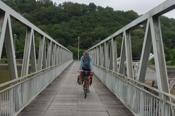 oude-brug-over-de-maasAEBB46EB-904D-81F6-030F-BC1448FE168F.jpg
