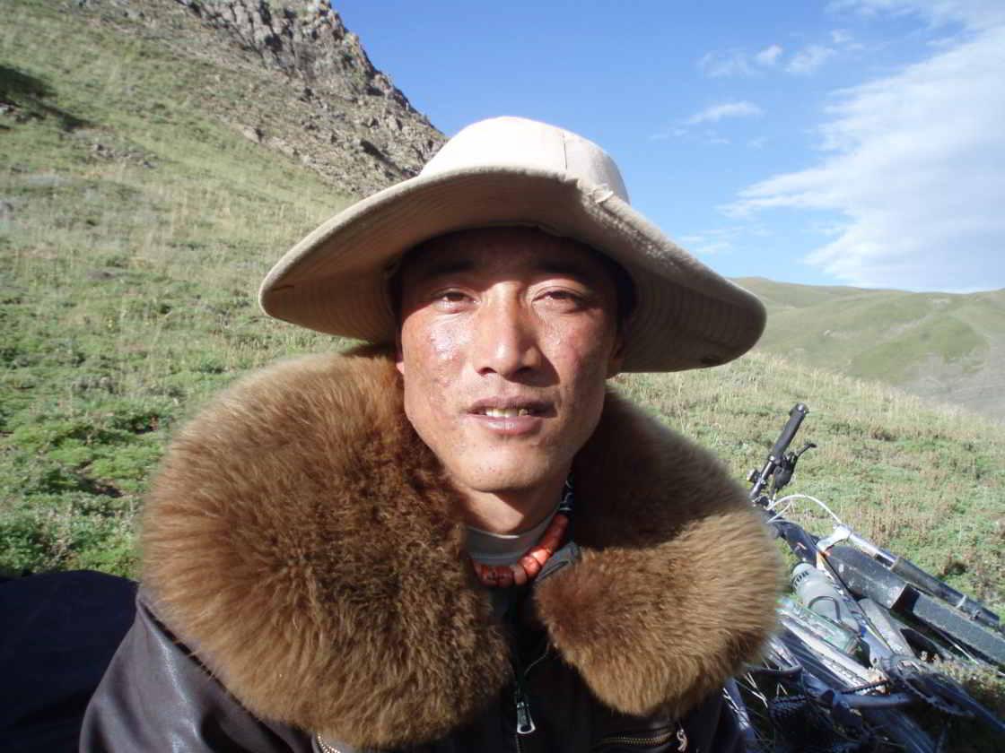 Ontmoeting met een nieuwsgierige herder in Qinghai