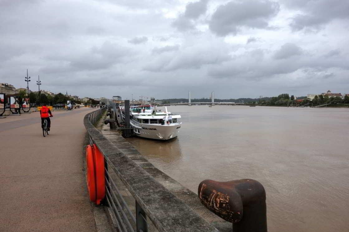 Fietsen langs de Garonne in Bordeaux