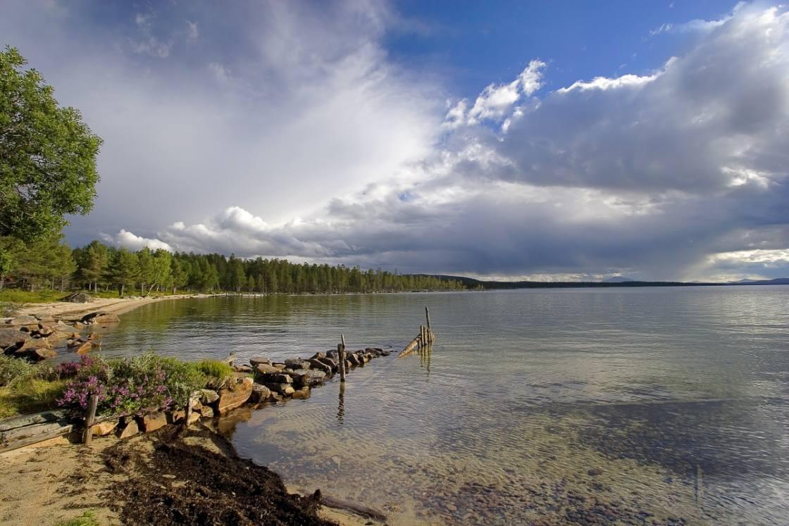 Tussen Oslo en Trondheim passeer je Femunden