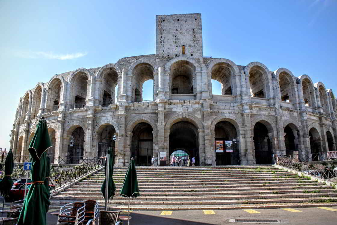 zicht op het amfitheater in Arles