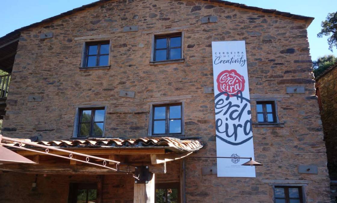 huis voor kunstenaars in Cerdeira