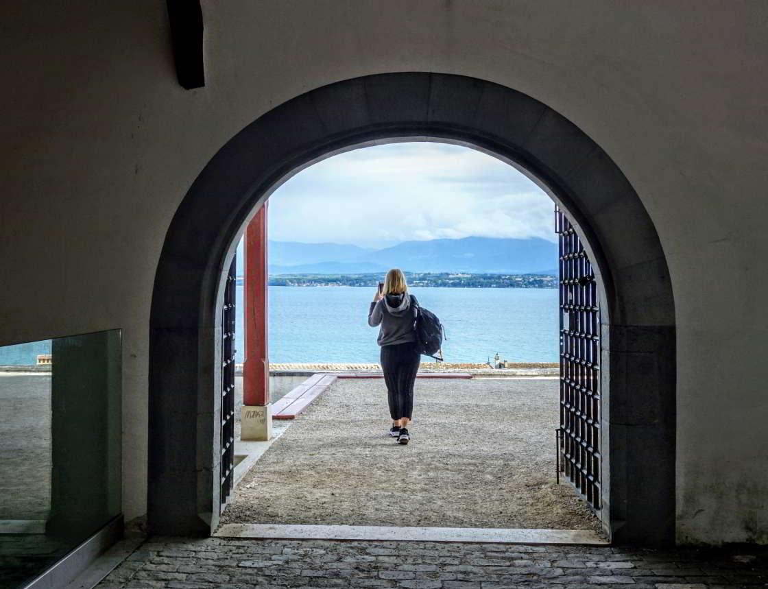 Onderdoorgang Nyon bij het oude slot